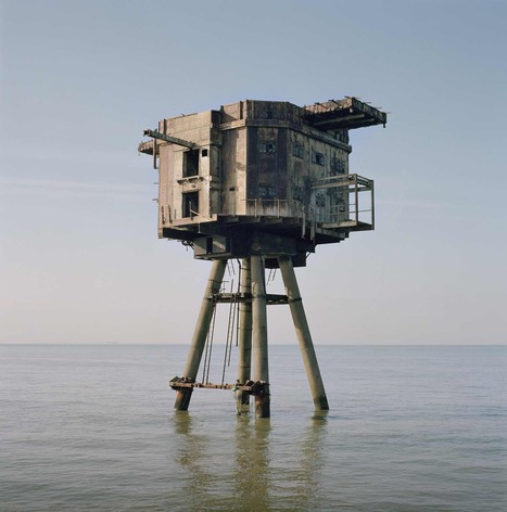 Noémie Goudal | Photographs | Looks -Pictures, Images, Visual Languages | Scoop.it