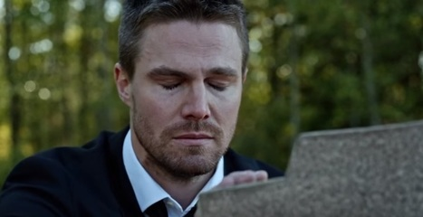 'Arrow' season 4: Another look at who might be in the grave | ARROWTV | Scoop.it