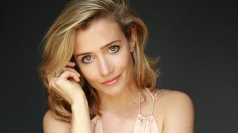 'It beats playing the bitch, the bimbo or the psycho'-Lisa Dwan on why she swapped TV soap roles for Samuel Beckett | The Irish Literary Times | Scoop.it