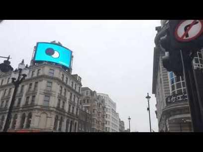 » Royaume-Uni : Quand Oreo détourne en temps réel l'éclipse de soleil pour créer sa propre éclipse… de biscuits | Habillage Urbain | Scoop.it