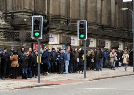 Leeds : Hundreds queue for Bruce Springsteen tickets - Yorkshire Evening Post | Bruce Springsteen | Scoop.it