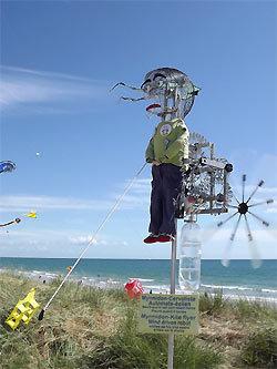 Joel Goupil(FR): Myrmidon, ein windbetriebener 'Drachenist' - Spiel und Kunst mit Mechanik | Heron | Scoop.it