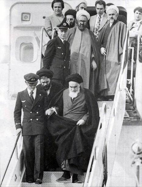 imam_khomeini_in_mehrabad.jpg (573x755 pixels) | letters to Majnoon island | Scoop.it