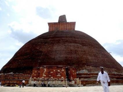 Ancient Cities of Sri Lanka « DBH Blog | Ancient History | Scoop.it