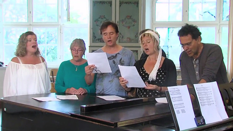 Swedish research study shows that heart beats synchronize when people sing together in a choir | Amazing Science | Scoop.it
