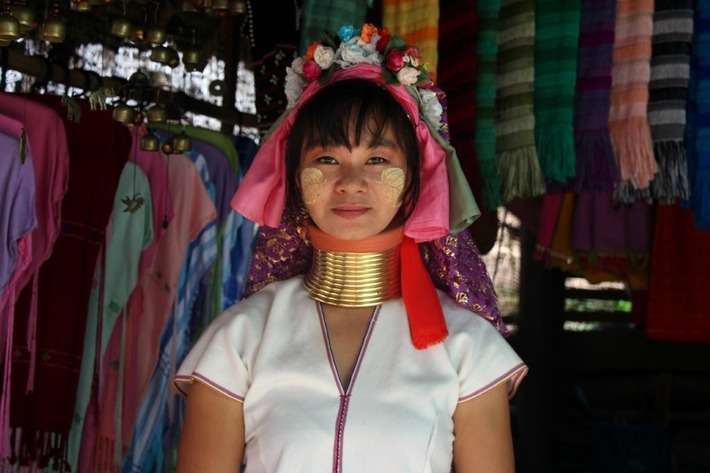 Padaung 'Longnecks' begin their journey home | DVB | Kiosque du monde : Asie | Scoop.it
