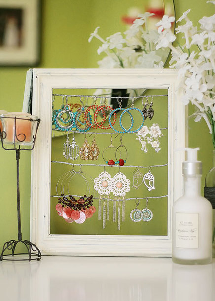 DIY Earring Display Using an Old Picture Frame | Crafts To Make | Scoop.it