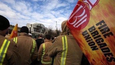 Firefighters end pre-Christmas strike | Economics | Scoop.it
