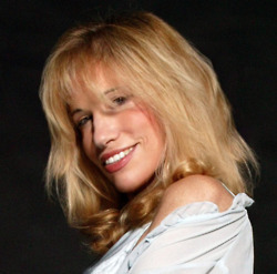 Carly Simon (French, African-American, Cuban, Jewish) [American] | Mixed American Life | Scoop.it