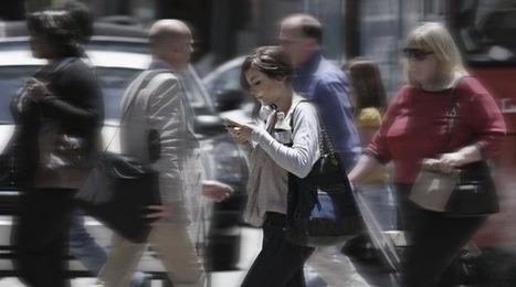 Ecrire un SMS en marchant devient une infraction aux Etats-Unis | Numerama | Dépenser Moins | Scoop.it