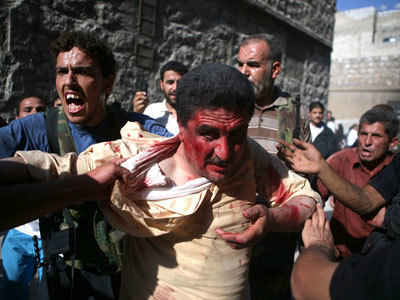 War crime? Syrian rebels execute POWs (GRAPHIC VIDEO)   Daily Crew   Scoop.it