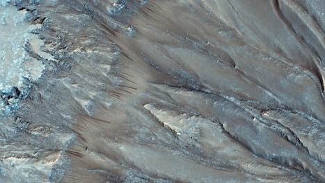New NASA photos point to water on Mars | Nature | Scoop.it