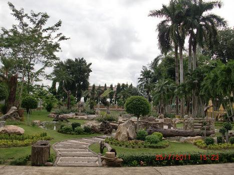 Garden - beautiful - front Sarnath Temple Church Thammaram A. Klang, Rayong-สวน-สวยๆ-หน้าโบสถ์วัดสารนาถธรรมาราม อ.แกลง ระยอง   My Photo  :Share Picture For Everyone   Scoop.it