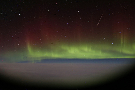 Aurora Borealis Time-Lapse Photographed Through an Airplane Window | Nature | Scoop.it