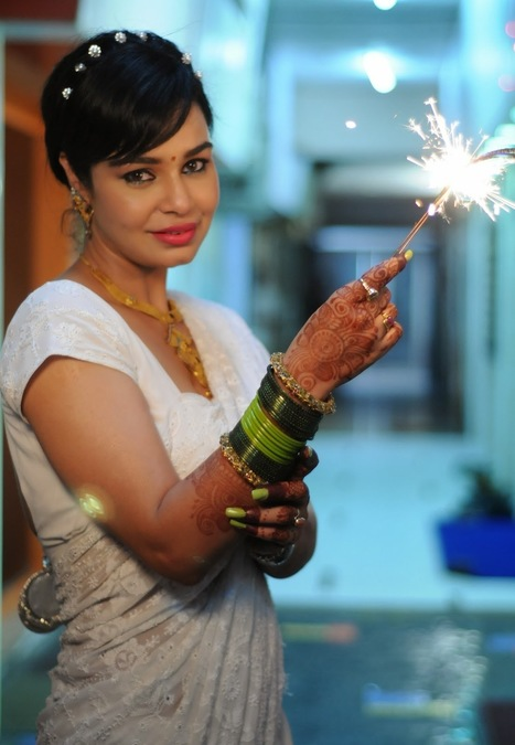 Kavita Verma's Photoshoot - Diwali Celebration - 99share.in | Photoshoot | Scoop.it
