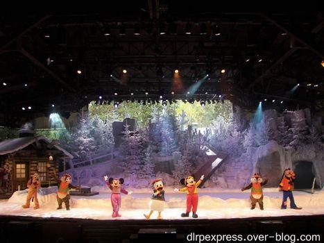 """Disneyland Park - Aujourd'hui avait lieu la première représentation du spectacle """" Mickey et la Magie de l'Hiver"""". Aimez-vous ce show ?   Disneyland Paris   Scoop.it"""