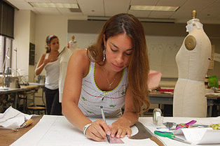 India - Fashion Designing Courses | Fashion Desing in India | Scoop.it