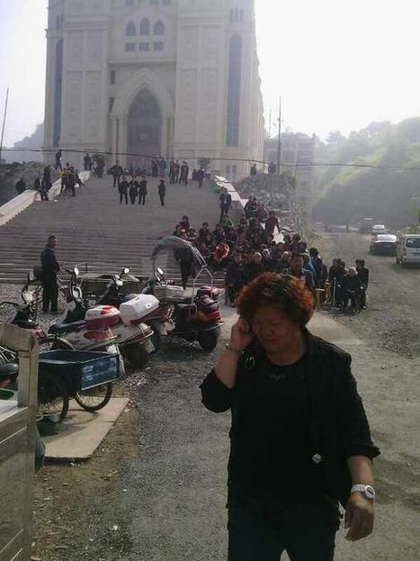Tweet from @VanessaPiao   Church Demolition Threat Sparks Sit-In in Wenzhou, China   Scoop.it