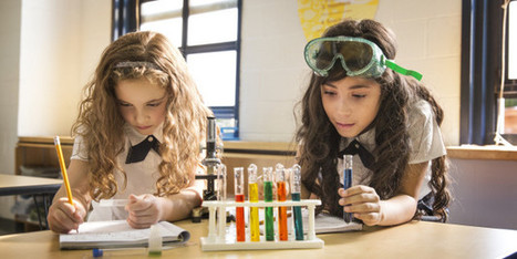 Women In STEM Begins With Girls In STEM: 7 Ways to Support A Generation Of Scientific Young Women | Library world, new trends, technologies | Scoop.it