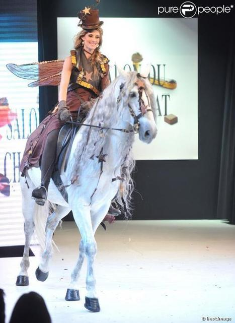 Sophie Thalmann, à cheval, au Salon du Chocolat de Paris | Purepeople.com | Cheval | Scoop.it