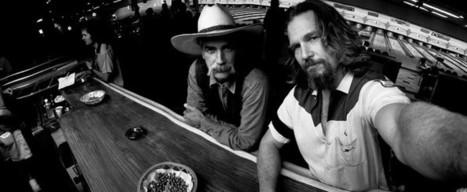 DUDE SELFIE — Jeff Bridges snaps a pic of himself... | Mister_Zombie Z | Scoop.it