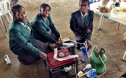 Ghana News - Nigerian teens create generator that runs on urine   Global Innovation   Scoop.it