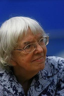 La défenseuse des droits humains Ludmila Alexeyeva reçoit le prix des droits humains Vaclav Havel | Femmes en mouvement | Scoop.it