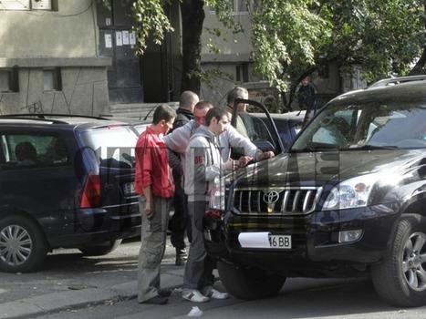 Заковаха лихварската дейност на Бисер-Боса: След 2 часа на земята вкараха Богданов и гардовете му в ареста   Покер новини   Scoop.it