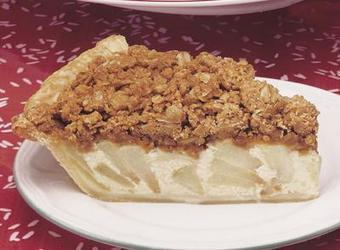 Peanut Butter Crumble Topped Apple Pie | The Man With The Golden Tongs Hands Are In The Oven | Scoop.it