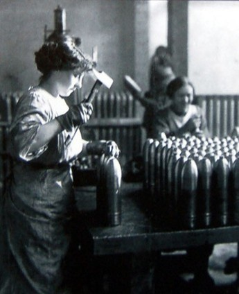English munition factory during First World War | NZHistory, New Zealand history online | World War 2 | Scoop.it