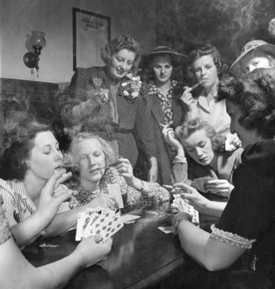 vintage everyday: GOP Women Party Hard, 1941 | Vintage, Robots, Photos, Pub, Années 50 | Scoop.it