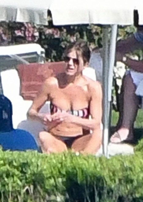 Photos : Jennifer Aniston en bikini string sexy en Italie | Radio Planète-Eléa | Scoop.it