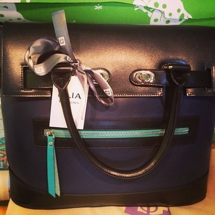 Authentic- Fake Issues of most popular designer handbags: Advice from Personal Experience for Distinguishing authentic one among fakes | buy designer handbags online used designer handbags for sale designer messenger bags for women | Scoop.it
