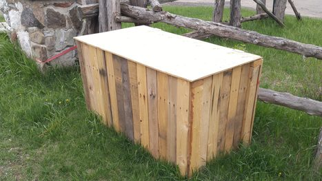 Recycled Pallet Garbage Box   1001 Pallets ideas !   Scoop.it