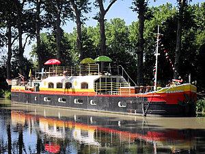 Villeneuve-lès-Béziers : Durandal, péniche chambres d'hôtes sur le Canal du Midi | The Blog's Revue by OlivierSC | Scoop.it