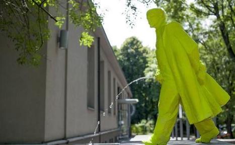 VIDEO. Pologne: Une statue de Lénine  fluo et urinant   MAISON : OBJET DESIGN+ART CONTEMPORAIN   Scoop.it