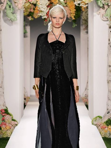 Mulberry loses out to Prada in luxury market | A2 Business Studies #buss3 | Scoop.it