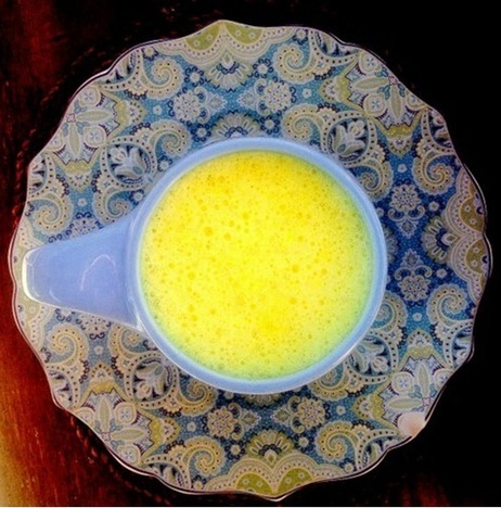 Golden Milk Recipe with Turmeric and Virgin Coconut Oil   Coconuts a sustainable food source   Scoop.it