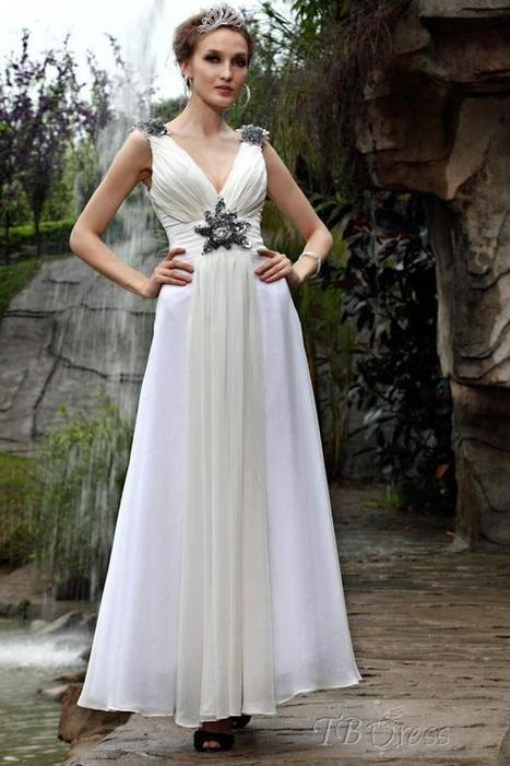 $ 196.49 Stunning White  V-neck Neckline Sleeveless Floor-length Evening Dresses   lovely   Scoop.it