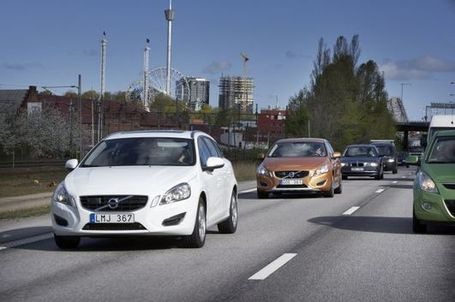 Volvo traffic jam assistance brings self-driving cars one step closer | Transportation Today | Scoop.it