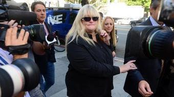 Debbie Rowe: Jackson felt like Elephant Man, chose to 'depigment' skin - Los Angeles Times   Dermatology Mosaic   Scoop.it