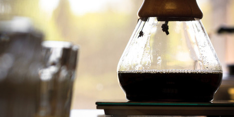 Blue Bottle Coffee Expert Shows Us How To Make The Perfect Pour Over | Coffee News | Scoop.it