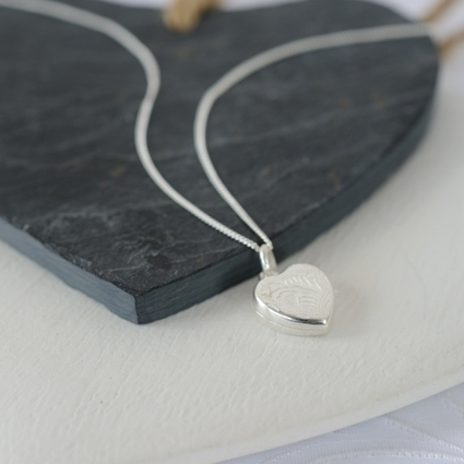 Sterling Silver Patterned Locket | A gift replaces thousands of your unexpressed words | Scoop.it