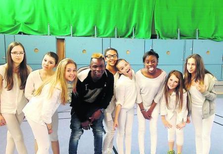8 danseuses et 1 danseur, le rythme dans la peau   Collège Pierre Bayle   Scoop.it