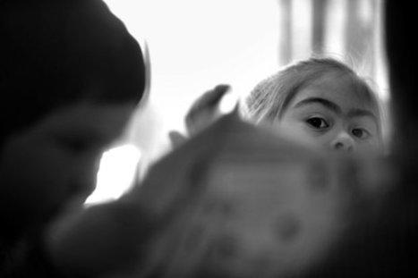 """""""Detrás de una mirada"""", en Fotogalería de Ciudad Vieja Mirar más allá / Montevideo Portal - www.montevideo.com.uy   Detrás de una Mirada - muestra fotográfica sobre la inclusión social de las personas con Sindrome de Down   Scoop.it"""
