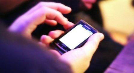 Trop de textos mène au stress et à l'insomnie   sommeil chez l'adulte   Scoop.it