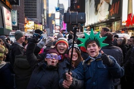 Selfies on a Stick, and the Social-Content Challenge for the Media | NY Times | Public Relations & Social Media Insight | Scoop.it