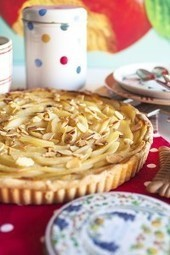Pear Tart with Crême Patissière | The Man With The Golden Tongs Hands Are In The Oven | Scoop.it