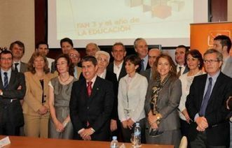 """Antena 3 crea un """"Grupo de Expertos"""" para mejorar la Educación   Educación   Scoop.it"""