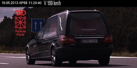 Un coche fúnebre 'cazado' a 199 km/h - CarAndDriverTheF1 | Tus Multas | Scoop.it